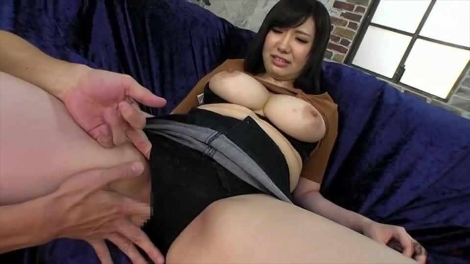 【素人エロ動画】どこ触られても超敏感に反応しちゃう爆乳の美女ww