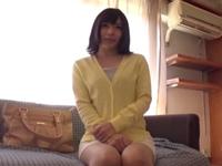 【素人エロ動画】真っ赤な下着がエロい巨乳の素人美女!乳首舐めたらやたら勃起してるんだけどw