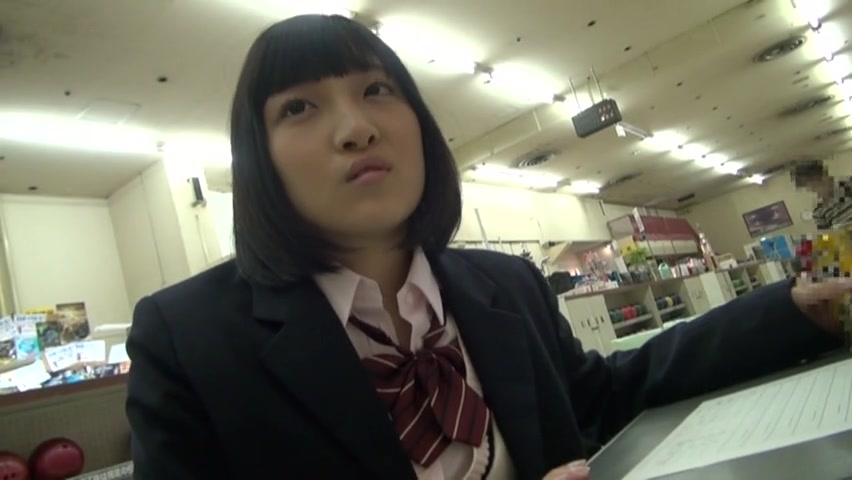 【JKエロ動画】学校サボってゲーセンで遊んでる可愛いJKをホテルに連れ込んでハメ撮りw