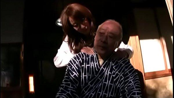 かかりつけ医との情事をネタに脅された嫁の禁断介護