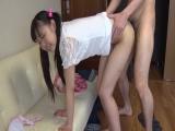 【美少女エロ動画】童顔美少女のパイパンマンコをハメまくりw