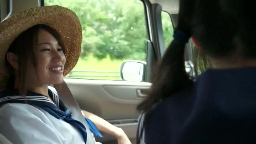 麦わら制服娘と田舎でカーセックスからの青姦