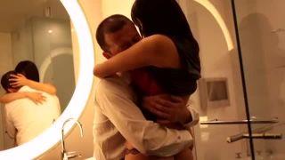 「こんなの初めてッ」ボイン娘とホテルで激しい性交!
