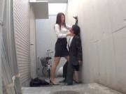 【お姉さん】「もうイきそうなの?」ドSな長身OLがおっさんリーマンを強引に手コキ抜き!
