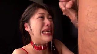 徹底的にイラマされて喉奥でザーメン注がれ続けて顔真っ赤にして泣くドM娘w
