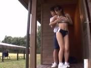 陸上部の女子部員が練習中にグラウンドで思いっきり膣内射精されてしまう!