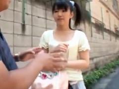 平気な女子高生がデカチン大好き!!巨根を小さいお口で咥え3Pの学生系動画
