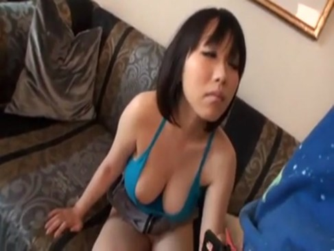 《前田優希》エロ可愛い爆乳お姉さんとイチャラブ着衣セックス!!