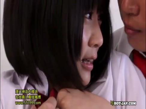 小学生の妹がフェラでギンギンにしたおっさんのバックに狂うの学生系動画
