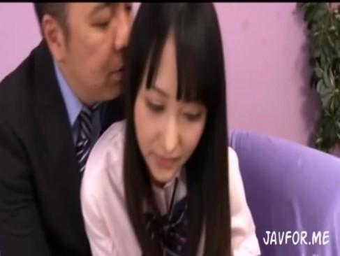 体操部のJKが担任の先生からエッチないたずらをされてしまったの学生系動画