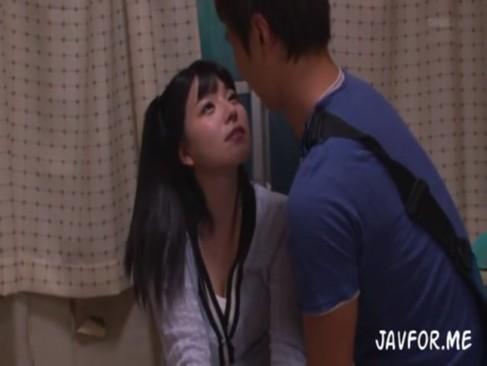 小学生の妹がホテルで臭いちんぽをしゃぶって援助交際の美少女動画