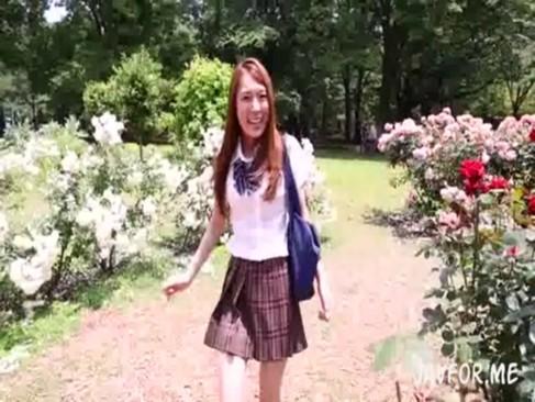 通学途中の制服中学生が連続生ハメにメロメロの学生系動画