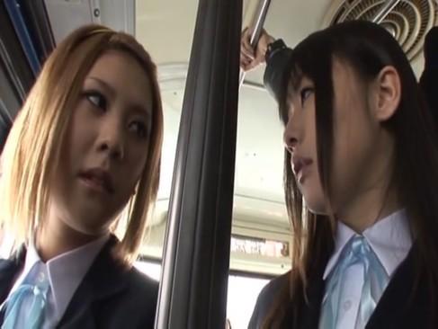 無防備なJCが変態おやじとシックスナインで泣き顔のロリ系動画