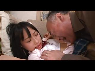 ミニスカのJCが変態親父のクンニにアヘ顔で絶頂のロリ系動画