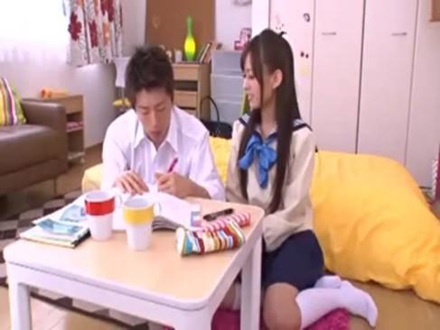 【希島あいり】黒髪ロングの美少女JKは告白をし好きな男と嬉しそうにイチャラブSEXをする