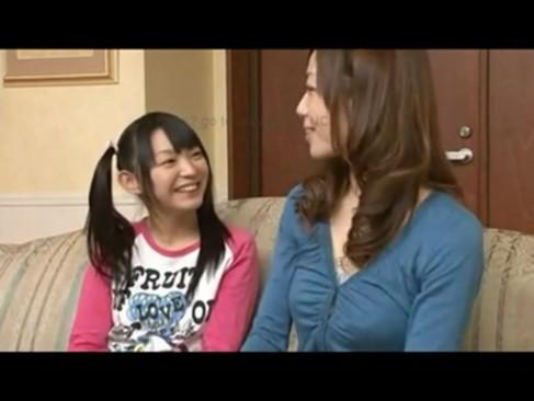 小中学生時代の女生が変態男に大量顔射されて精子でベトベトの学生系動画