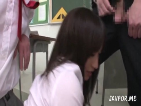 黒タイツの女子学生が顔面騎乗位しながらおっさんの生突き上げに悶絶の学生系動画