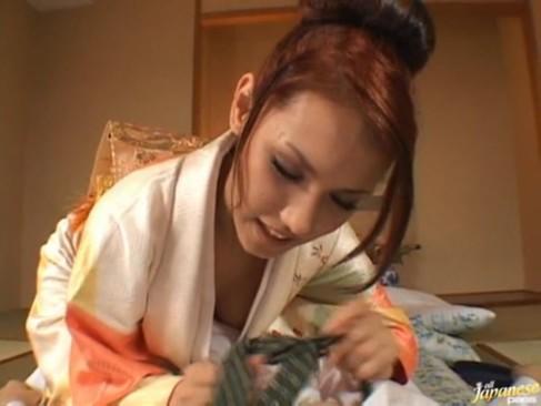 ねっとり濃厚パコ仕掛けて来る着物姿のハーフ美人お姉さんの小澤マリア