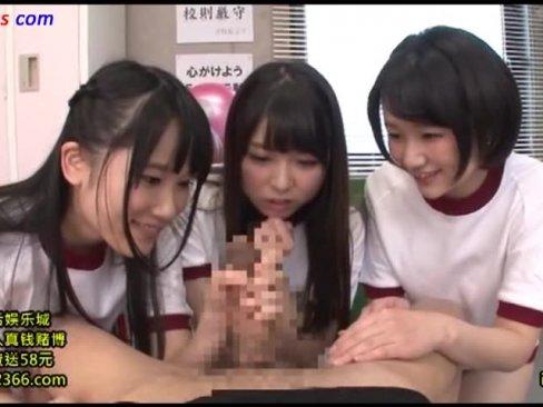 放課後にクラスメイト呼び出して4人がかりで手コキする女子高生