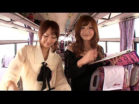 パコパコバスツアー!有名女優達と車内でハメ三昧w