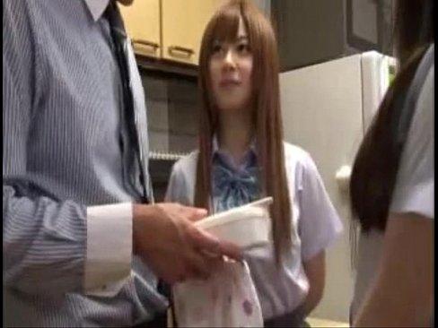 黒パンストのJCが拘束状態で乳首とクリを弄られて痙攣の校生系動画