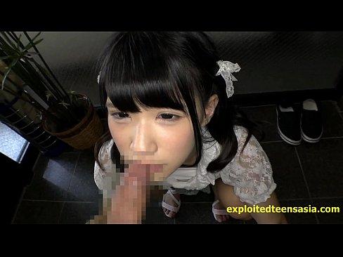 エロ目線でしか見れないJSが薄毛まんこを自分で広げてクリトリスが勃起の美少女動画