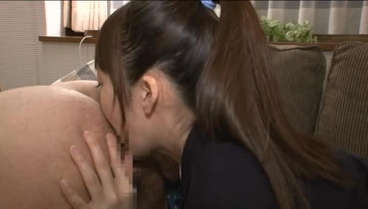 可愛いJK女子校生が薄暗い部屋でキモおやじにローター攻めされてアヘ顔のロリ系動画