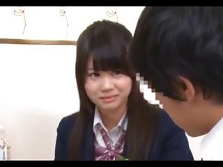 同級生の撮った制服JKがキッチンで変態男にまんこをしゃぶられて泣きのロリ系動画