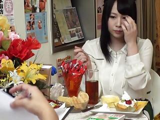 こんな小さな女の子たちが変態ブスおやじに未開発まんこをしゃぶられて喘ぎ悶えの校生系動画