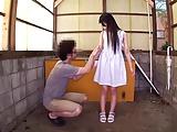 貧乳の胸チラ中学生が男に跨って淫乱な顔面騎乗位で絶頂の美少女動画