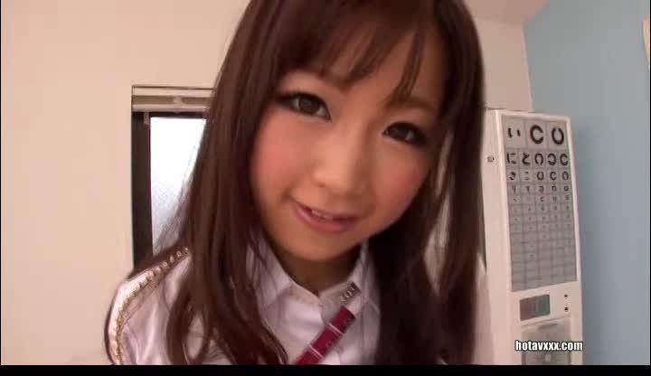 清純な優等生女子校生がパイパンまんこを激しく電マ攻めされて絶頂の学生系動画