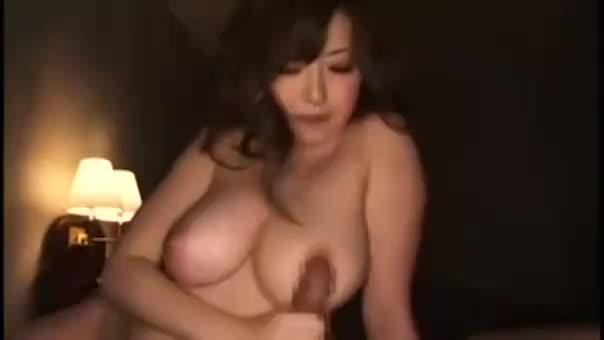 <巨乳動画>浜崎りお
