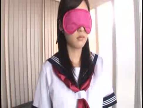 身長138cmの女の子がキモおやじに犯されて大量精子をぶっかの学生系動画