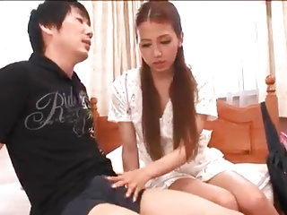浴衣姿のJC?JKが変態男に美乳を吸われて生ハメされるのロリ系動画