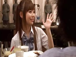 身長148cmのロリがキモいおじさんにベロチュウ・クンニされの美少女動画