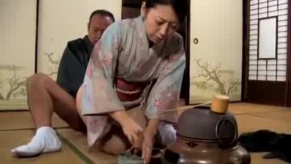 茶道教室の先生にデカマラをパコられ膣内射精受け入れる美人妻