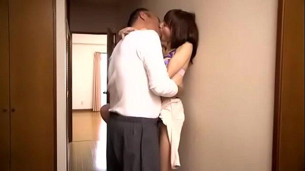 NTR-007【中字】最愛の妻を義父に寢取られて… 涼川絢音 2 h 2 min