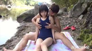 仲良しロリ子がパイパンを乱暴に手マンされてガチハメに泣き顔の美少女動画