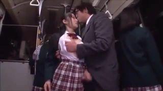 ロリ少女たちが濃厚セックスを楽しむの校生系動画