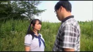 ロリ巨乳JKがキモヲタに野外でデカマラハメられてヨガってる件w