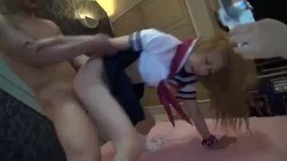 体操部の女子中学生が温泉で変態父親とまんことチンポを舐め合うの校生系動画
