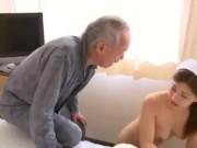 3度の飯より女が好きな老人が毎日病院へ通い看護婦たちを食らい尽くす!