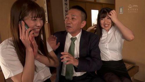 「ぁああ!すごぃチンポ♡」予算の関係上、新卒OL2人と相部屋になって小悪魔3Pに神発展!
