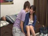 天然女子高生がオタク男に跪いて全裸で生フェラごの校生系動画