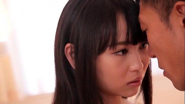 ちょっとエッチな女子高生がエッチな足裏を突き出して誘惑の学生系動画