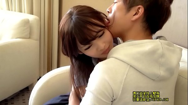 平成の女子高生が変態男に大量顔射されて精子でベトベトの美少女動画