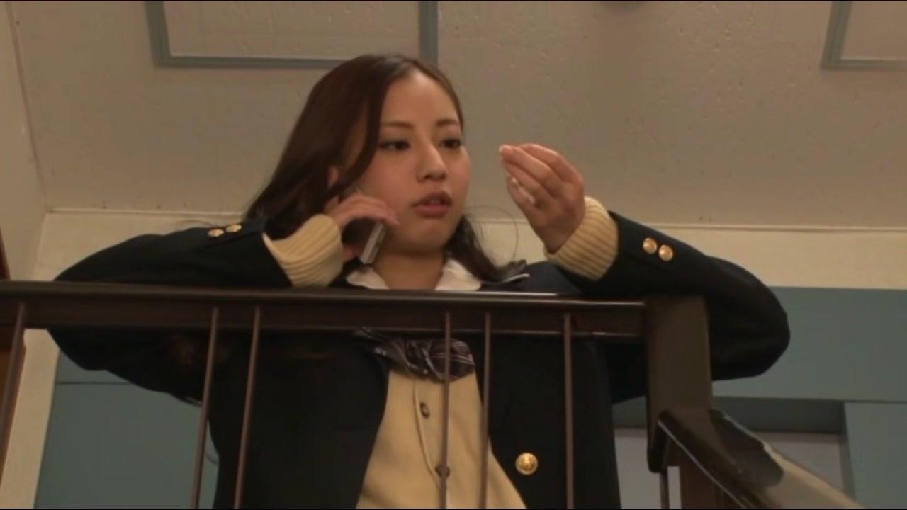 【真野ゆりあ】淫乱巨乳ぴちぴちJKが教室で顔面射精されちゃった