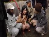 【上原亜衣】巨乳美少女が、首輪を付けられてペットのように扱われ、汚いオヤジたちに常に調教されて犯されちゃうw
