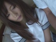 制服姿のロリ美少女が薄暗いホテルでおっさんにまんこを弄られて調教される