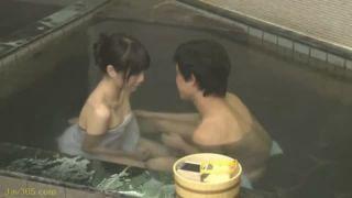 混浴風呂に超美人なお姉さんが一人でいたらこうなる
